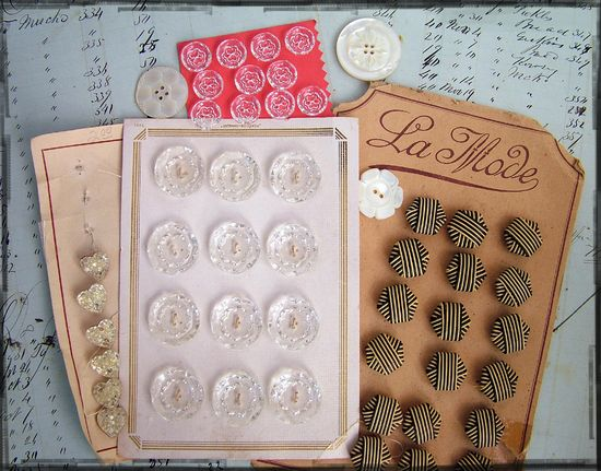Vintage buttons2