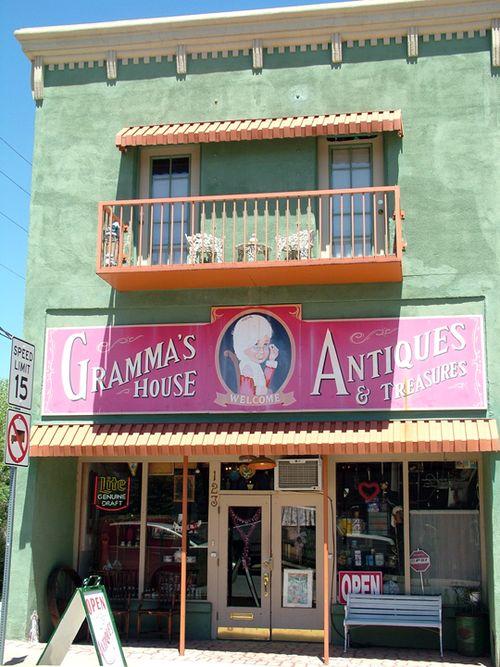 Grammas House3