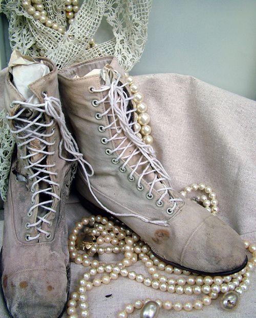 Antique Shoes2
