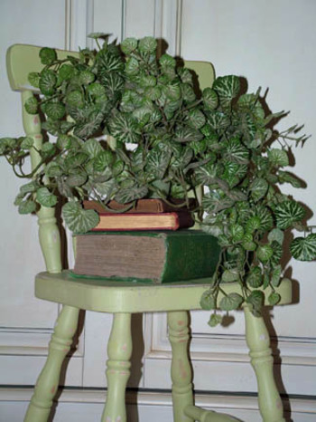 Vintage_childs_chair_2